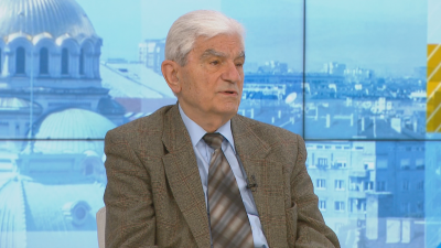 Акад. Петрунов: Смесването на ваксини от различни видове е неправилно