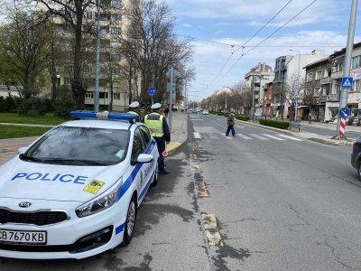 Глобиха над 100 пешеходци за неправилно пресичане в Пловдив
