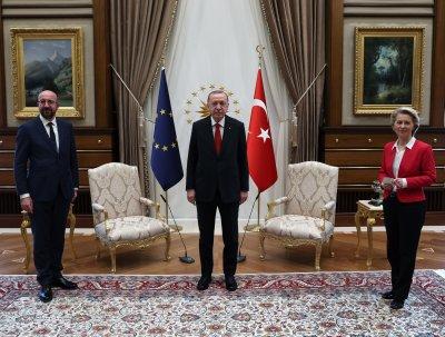 ЕС с нов финансов план за подкрепа, ако Анкара спазва споразумението за бежанците