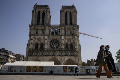 """Парижката катедрала """"Нотр Дам"""" ще бъде отворена отново през 2024 година"""