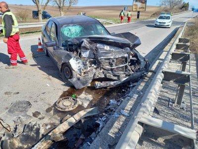 Катастрофа затрудни движението между Разград и Шумен