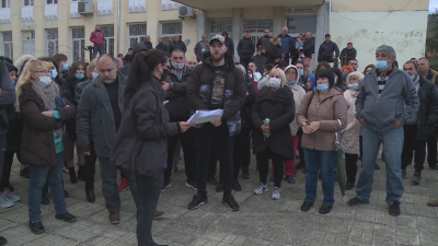 Жители на варненско село излязоха на протест заради съмнителна сделка със земя