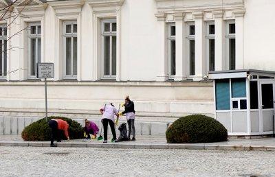 Почистват сградата на Народното събрание преди първото заседание