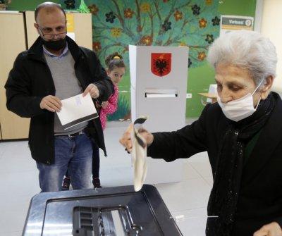 Изборите в Албания: Оспорвана битка между Еди Рама и Лулзим Баша