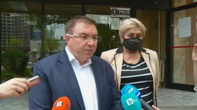 Здравният министър: Много съм доволен от темпа на ваксинация