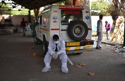 Нов рекорд в Индия: 400 000 заразени само за денонощие