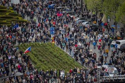 Протести в Чехия с искане за оставка на президента Милош Земан