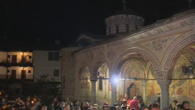 На Великден в Троянския манастир