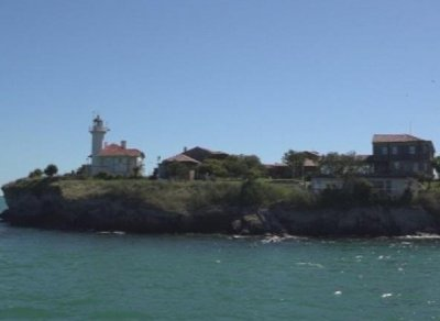 Първите туристи за сезона пристигнаха на остров Света Анастасия