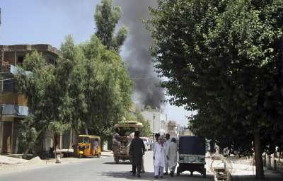 Мощен взрив на кола бомба в Афганистан, най-малко 30 са убити, 60 са ранени