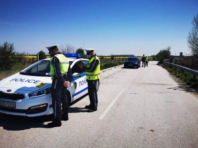 Пловдивските пътни полицаи с интензивни проверки около празниците
