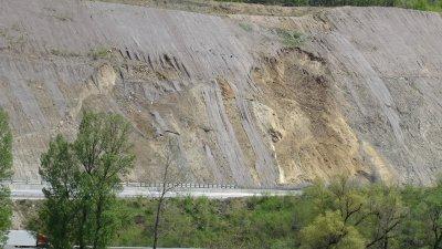 """АПИ: Участъкът от АМ """"Струма"""" край Симитли е строителен обект"""