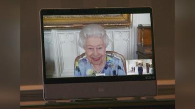 Първи снимки на кралица Елизабет II след погребението на принц Филип