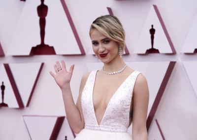 """Мария Бакалова не спечели """"Оскар"""", триумф за """"Земя на номади"""" на церемонията"""