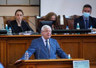 Кирил Ананиев в НС: 8,5 млрд. фискален резерв и 619 млн. лв. дефицит от началото на 2021 г. (ОБЗОР)