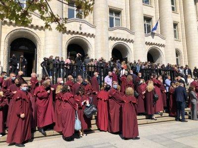 Ръководството на прокуратурата подкрепя протеста на прокурорите, следователите и съдебните служители