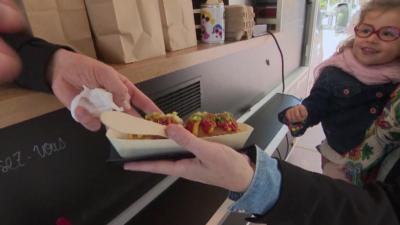 Френски шеф готвачи излизат с кухня във фургони заради карантината