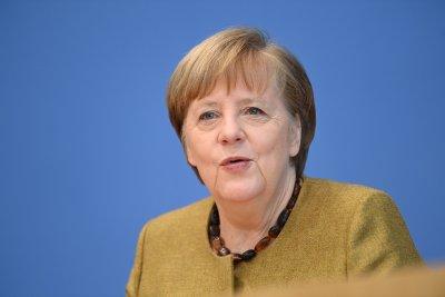 Меркел се обяви за диалог с Русия