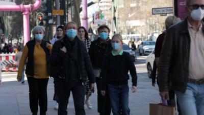 COVID-19 по света: Строги мерки в Гърция, вечерен час в Германия