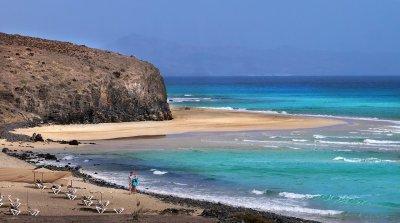 177 туристи пристигнаха за тестова ваканция на Канарските острови