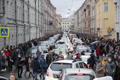 Близо 1800 задържани на протестите в подкрепа на Алексей Навални в Русия