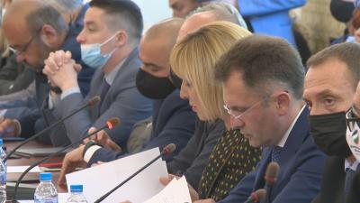 """Нов свидетел от комисията """"Манолова"""" се оплаква от рекет"""