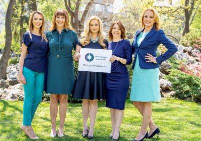 Лица на БНТ в подкрепа на кампанията за борба с рака на яйчниците