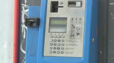 В Русе продължава да има работещи улични телефони