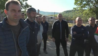 Земеделци на протест: не могат да влязат в земи, които са засели