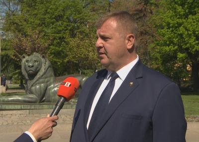 Каракачанов: Променихме духа и самочувствието на българския военен - от войника до генерала