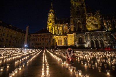 30 000 свещи в памет на жертвите на COVID-19 в Чехия