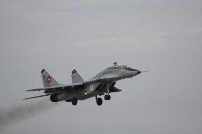 България е получила близо 186 000 евро неустойки за ремонта на МиГ-29