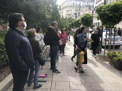 Протест пред Столичната община заради повторното отваряне на системата за детските градини