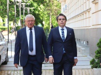Старият и новият министър на финансите влязоха в спор за актуализацията на бюджета