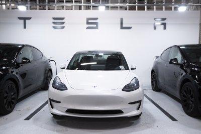 """""""Тесла"""" няма да се купува с биткойни заради климатичните изменения"""
