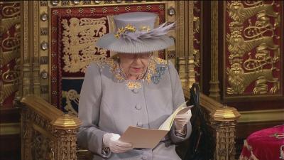 Кралица Елизабет II откри сесията на парламента