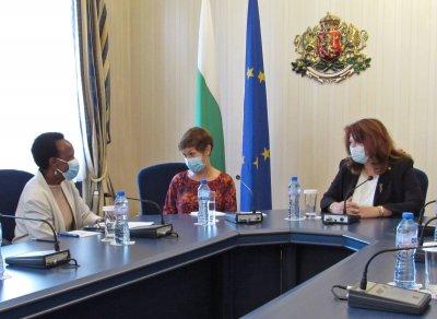 Насилието над деца - акцент в разговор между Илияна Йотова и представителя на УНИЦЕФ у нас