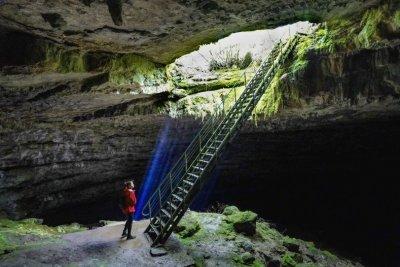 Пещера Стълбица - една от най-красивите и уникални пещери в Деветашкото плато (ГАЛЕРИЯ)