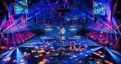 """Ротердам с тюркоазен килим за церемонията по откриването на """"Евровизия 2021"""" (ВИДЕО И СНИМКИ)"""