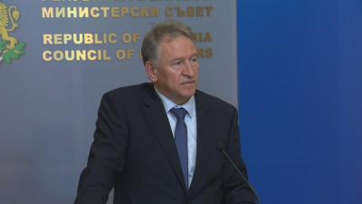 """Здравният министър: Осигурени са достатъчно количество ваксини """"Пфайзер"""" до 2023 г."""