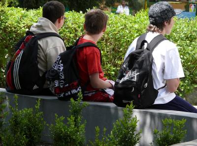 МОН: Учебната година се удължава реално само за малко над 300 училища