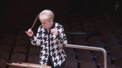 Най-влиятелната жена диригент излиза за първи път пред българска публика