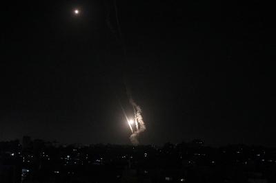 Ракетният обстрел между Израел и Газа продължи и през изминалата нощ