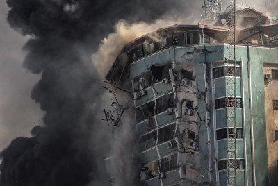 Израелска атака срещу чуждестранни редакции в Газа (ОБЗОР)