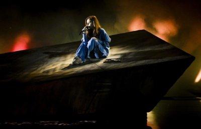 """Тази вечер в 22 ч: Виктория излиза на финала на """"Евровизия"""" 2021"""