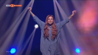 """Финал на """"Евровизия"""" 2021 - вижте как Виктория представи България"""