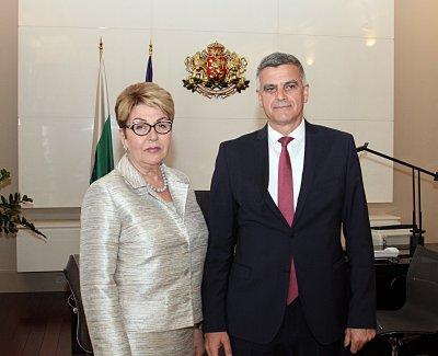 Премиерът Стефан Янев се срещна с руския посланик Елеонора Митрофанова