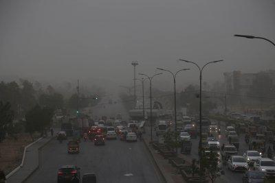 Тайфун удари Пакистан
