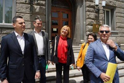 Мая Манолова: Ще влезем в парламента с повече депутати