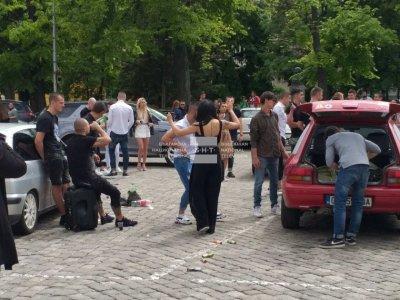 Екипи на полицията ще следят за реда около баловете денонощно (ОБЗОР)